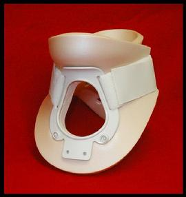 Foam collar with trachcheal opening